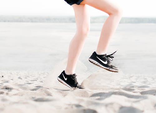 Running Shoes For Snow and Slush: Some Characteristics And Options